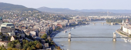 chain-bridge-danube